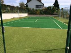 professionelle tennisplatzreinigung