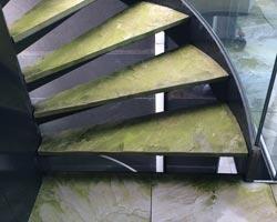 treppenhausbödenreinigung vorher
